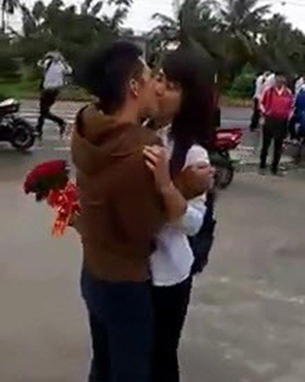 Học sinh Việt tỏ tình gây sốc khiến phụ huynh giật mình - Ảnh 2.