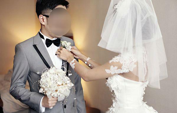 Việc nhẹ lương cao gây sốt: Bị chồng sắp cưới ẵm 50 triệu theo bồ, vợ lên mạng thuê người làm chú rể - Ảnh 2.