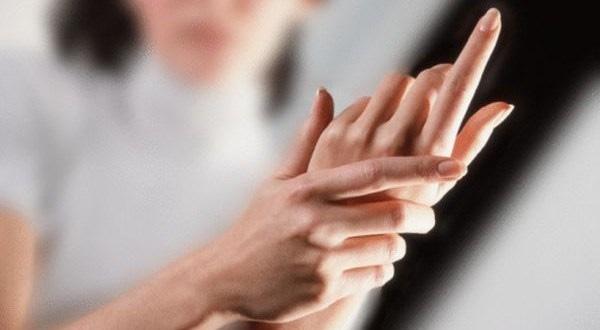 Đưa bàn tay lên ngay để xem bạn có những dấu hiệu của ung thư này không nhé! - Ảnh 3.