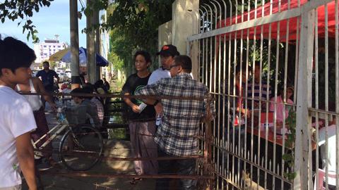 Nhiều CĐV Việt Nam phải nhờ người Myanmar mua vé hộ - Ảnh 3.