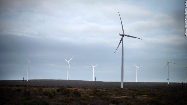 Chỉ có 26% người dân có điện để sử dụng, quốc gia nghèo ở Đông Phi vẫn quyết tâm sử dụng điện gió để bảo vệ môi trường - Ảnh 2.