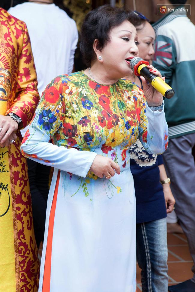Cập nhật: Các nghệ sĩ đến thăm đền thờ Tổ trị giá 100 tỷ của Hoài Linh - Ảnh 21.