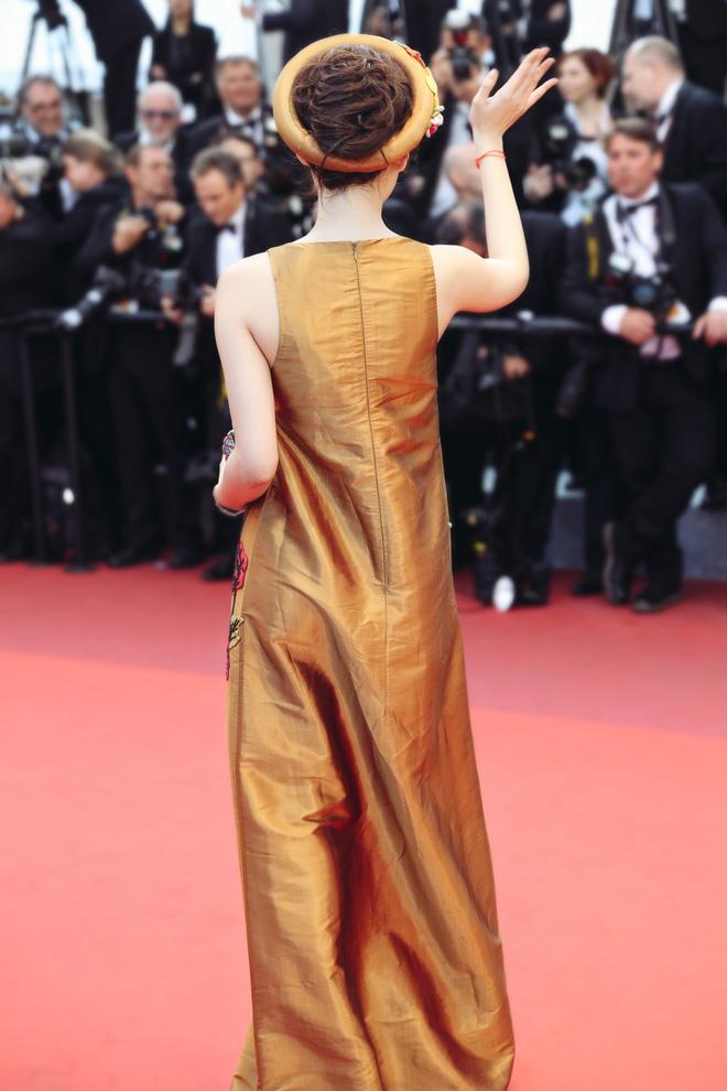 8 giây may mắn của Angela Phương Trinh trên thảm đỏ Cannes: Đừng biến nó thành cú nổ của sự ảo tưởng - Ảnh 4.