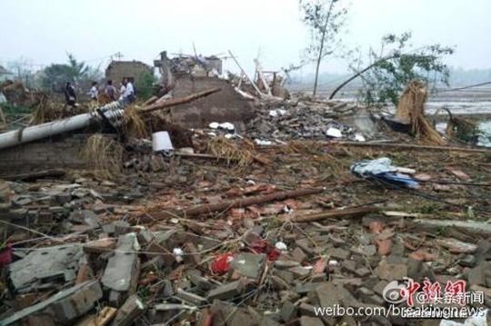 Bão tử thần tấn công Trung Quốc, 898 người thương vong - Ảnh 3.
