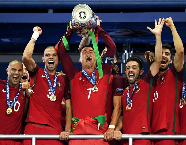 Irina Shayk đã ở đâu trong thành công của Ronaldo? - Ảnh 2.