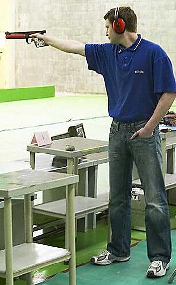 Bộ môn bắn súng vừa đem lại HCV Olympic cho thể thao Việt Nam khó đến mức nào? - Ảnh 3.