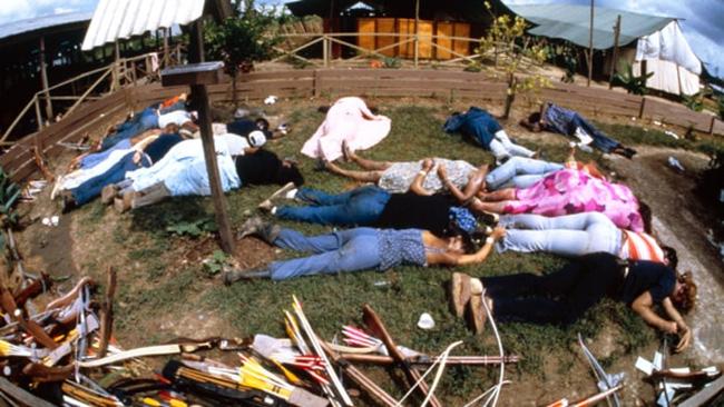 Vụ thảm sát kinh hoàng tại Jonestown: Gần 1.000 người uống thuốc độc, tự sát tập thể - Ảnh 4.