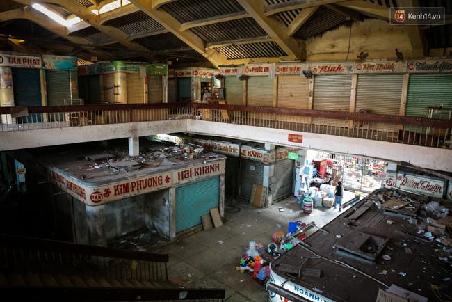 Chợ Lớn tạm ngưng hoạt động 1 năm, các tiểu thương cuối cùng buồn bã dọn hàng - Ảnh 4.
