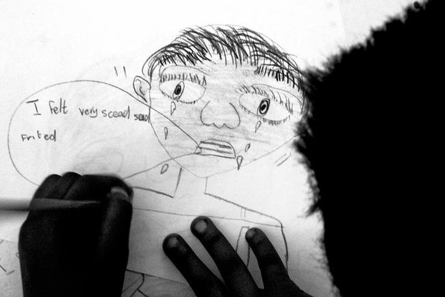 Loạt hình ám ảnh về những đứa trẻ từng bị lạm dụng tình dục - Ảnh 4.