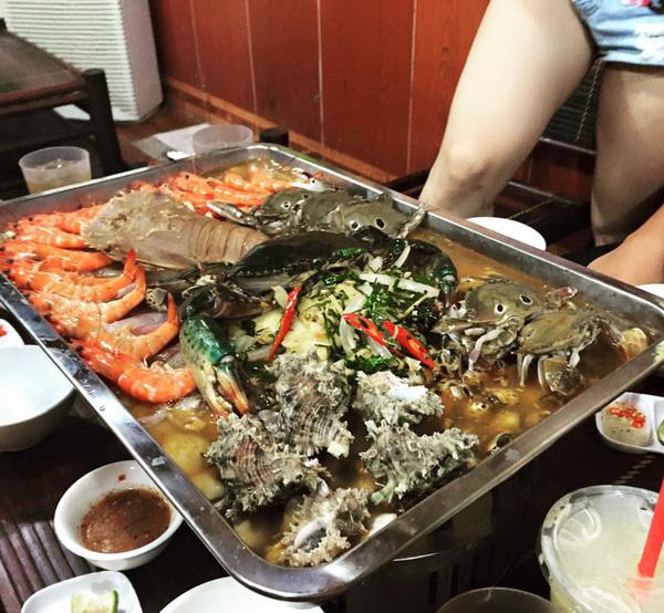 Nồi lẩu 2 triệu ngập mặt ở Hà Nội đang khiến dân mạng sốt vó muốn đi ăn, thực ra là... - Ảnh 4.