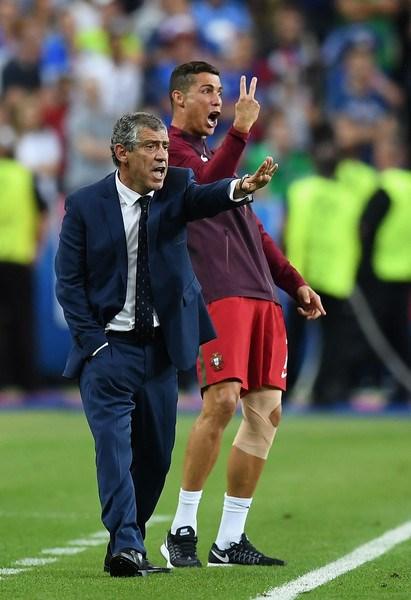 Ronaldo: Khóc lóc rời sân rồi cực yêu khi cướp quyền chỉ đạo - Ảnh 15.