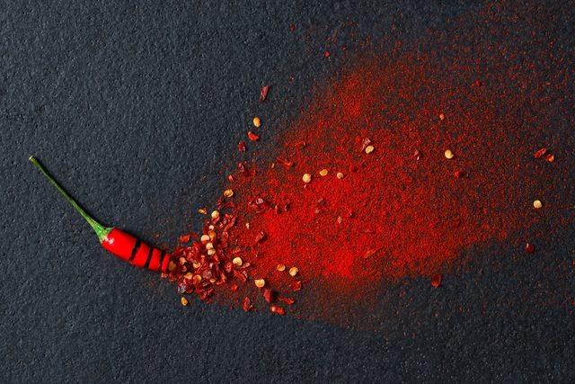 Uống nước lạnh để hết cay sau khi ăn ớt không phải cách hay nhất đâu - Ảnh 3.