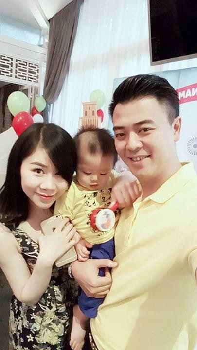 Vợ chồng MC Tuấn Tú hạnh phúc mừng sinh nhật 1 tuổi của con trai đầu lòng - Ảnh 4.