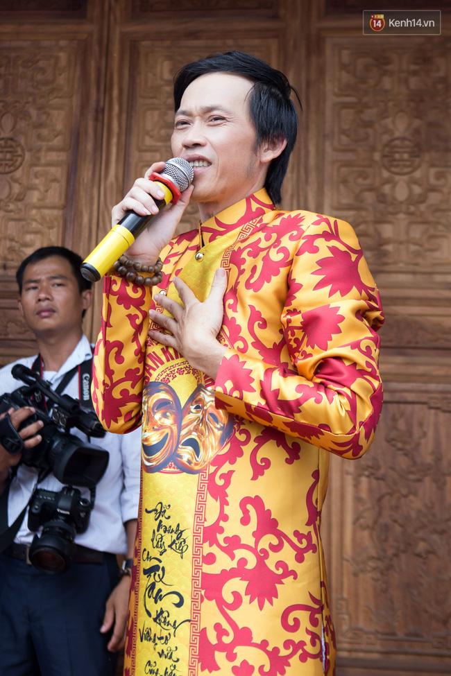 Cập nhật: Các nghệ sĩ đến thăm đền thờ Tổ trị giá 100 tỷ của Hoài Linh - Ảnh 4.