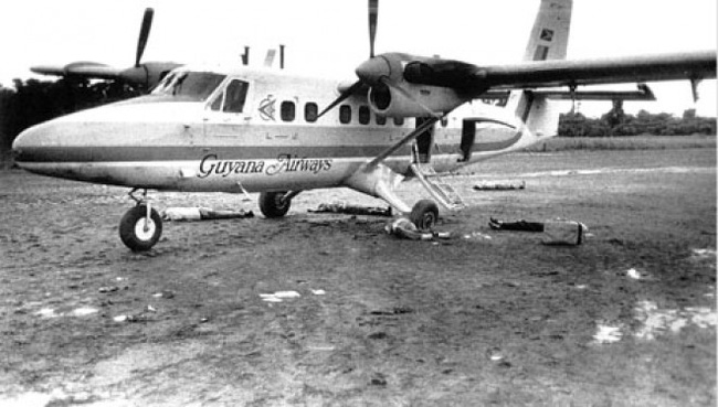 Vụ thảm sát kinh hoàng tại Jonestown: Gần 1.000 người uống thuốc độc, tự sát tập thể - Ảnh 5.