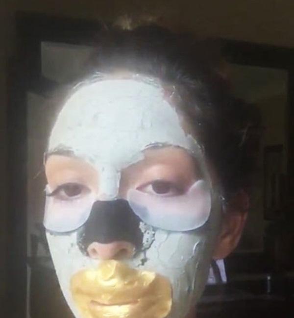 Phát hoảng với những kiểu đắp mặt nạ dọa ma của chị em - Ảnh 5.