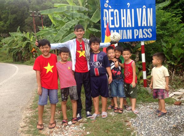 9x xuyên Việt cứu cụ già 82 tuổi nuôi 3 con khuyết tật - Ảnh 5.