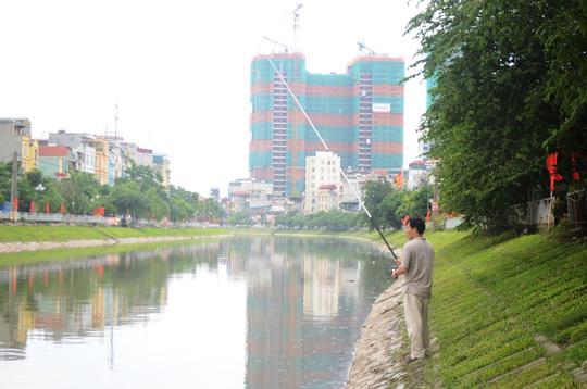 Bão số 3 đi qua, ngỡ ngàng với vẻ đẹp của sông Tô Lịch - Ảnh 4.