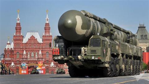 Tên lửa Topol kiểu mới bắn trúng mục tiêu cách 800 km  - Ảnh 5.