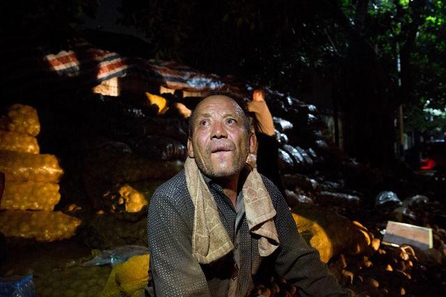 Lão nông khốn khổ với 32 tấn khoai tây bị trả lại vậy nhưng chỉ trong 1 đêm điều kỳ diệu đã xảy ra - Ảnh 6.