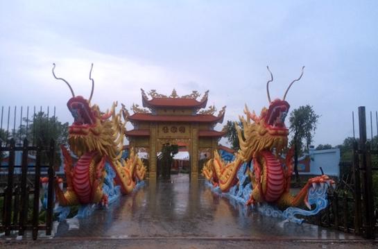 Sáng nay, nhà thờ tổ 100 tỉ của Hoài Linh mở cửa đón khách - Ảnh 6.