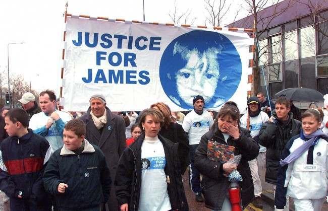 Hai kẻ sát nhân trẻ nhất nước Anh: Vụ bắt cóc, tra tấn và giết hại bé trai 3 tuổi kinh hoàng của thế kỷ - Ảnh 6.