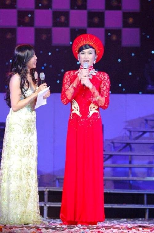 Hoa hậu cũng phải ghen với những hình ảnh này của Hoài Linh - Ảnh 7.