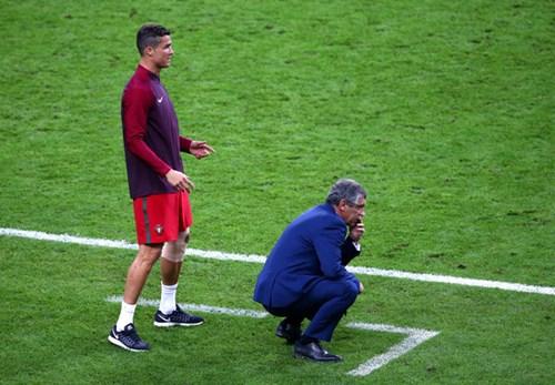Ronaldo: Khóc lóc rời sân rồi cực yêu khi cướp quyền chỉ đạo - Ảnh 18.