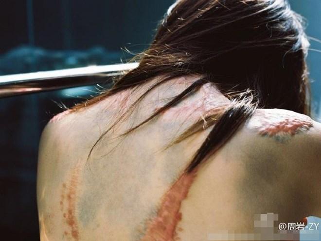 Bộ ảnh của cô gái bị bạn học tẩm xăng đốt gây sốt ở Trung Quốc - Ảnh 6.