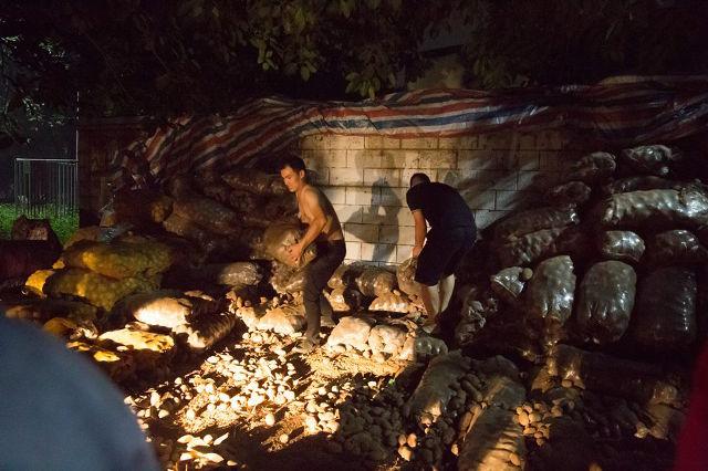 Lão nông khốn khổ với 32 tấn khoai tây bị trả lại vậy nhưng chỉ trong 1 đêm điều kỳ diệu đã xảy ra - Ảnh 8.
