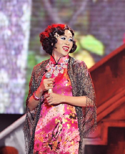 Hoa hậu cũng phải ghen với những hình ảnh này của Hoài Linh - Ảnh 8.