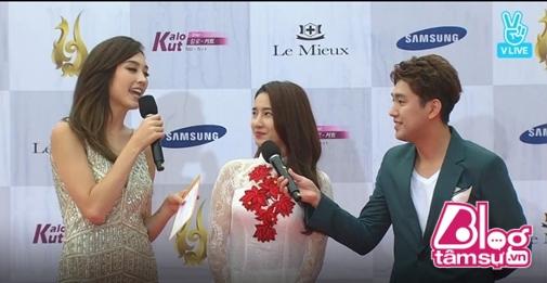 Choáng trước cách chào đón Nhã Phương và Ngọc Trinh của phóng viên Hàn Quốc - Ảnh 8.