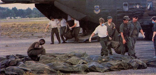 Vụ thảm sát kinh hoàng tại Jonestown: Gần 1.000 người uống thuốc độc, tự sát tập thể - Ảnh 9.