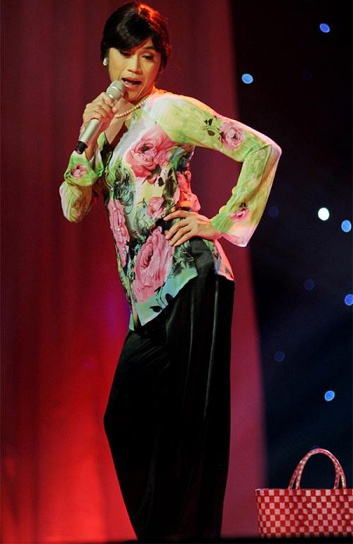 Hoa hậu cũng phải ghen với những hình ảnh này của Hoài Linh - Ảnh 9.