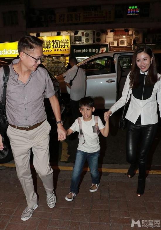 Hoa hậu Hong Kong đẹp nhất lịch sử và hai lần mang tiếng giật chồng - Ảnh 9.