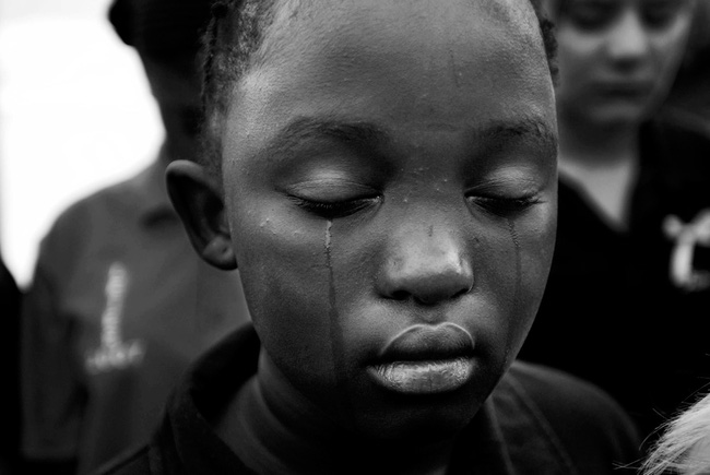 Loạt hình ám ảnh về những đứa trẻ từng bị lạm dụng tình dục - Ảnh 10.