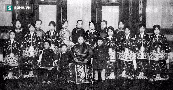 Cao thủ quản lý thê thiếp vượt mặt các đời Hoàng đế Trung Hoa - Ảnh 1.