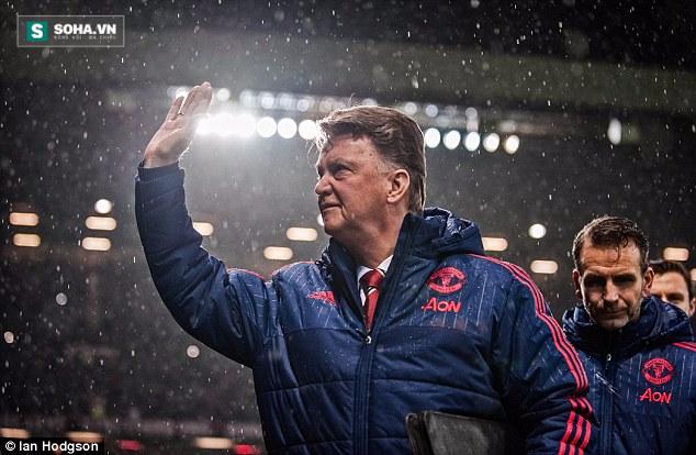 Khi người Man United thái độ lạ với Van Gaal - Ảnh 4.