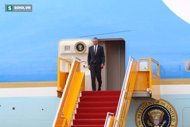 Người dân TP HCM hào hứng chào đón đoàn xe TT Mỹ Obama - Ảnh 4.
