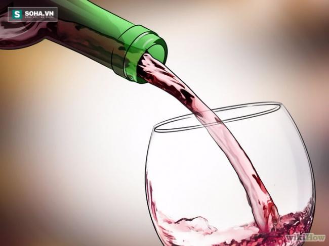 Những bí kíp mở rượu vang không cần dụng cụ mà quý ông nào cũng phải biết! - Ảnh 1.