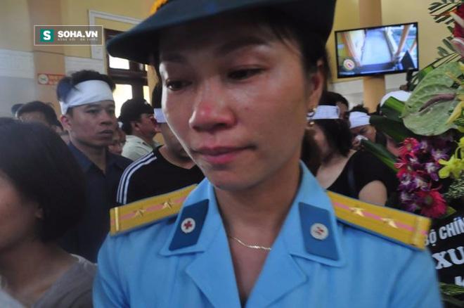 Đưa tiễn Đại tá Trần Quang Khải về nơi an nghỉ cuối cùng - Ảnh 1.