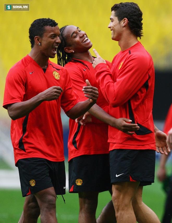 Ronaldo và bí mật sợ đàn ông cả tuần cùng Nani - Ảnh 1.