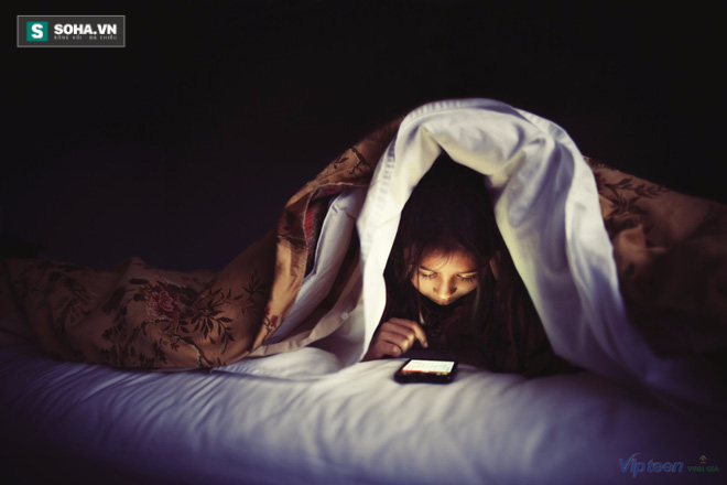 10 mối nguy hiểm khi sử dụng điện thoại vào ban đêm - Ảnh 3.