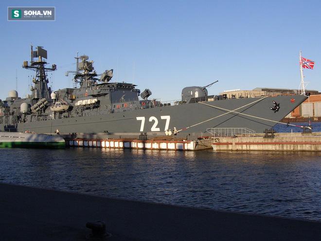 Tìm hiểu tàu chiến Nga vừa chạm trán khu trục hạm Mỹ trên biển - Ảnh 1.