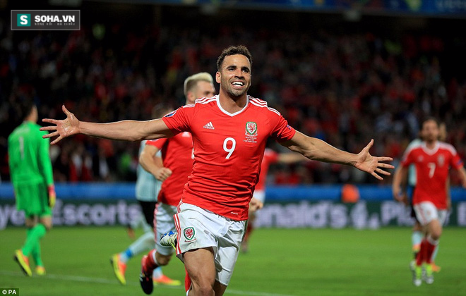 Gareth Bale lặng tiếng, Wales ngược dòng gửi Quỷ đỏ về nước - Ảnh 10.