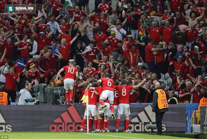 Gareth Bale lặng tiếng, Wales ngược dòng gửi Quỷ đỏ về nước - Ảnh 13.