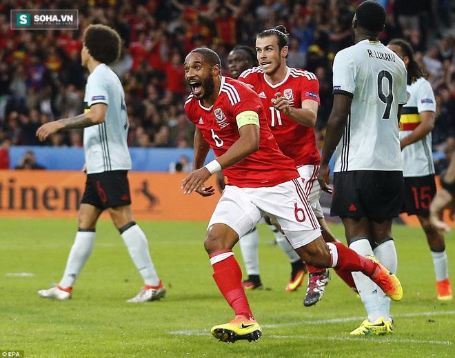 Xứ Wales thắng sốc, đẩy Ronaldo vào thế khó - Ảnh 2.