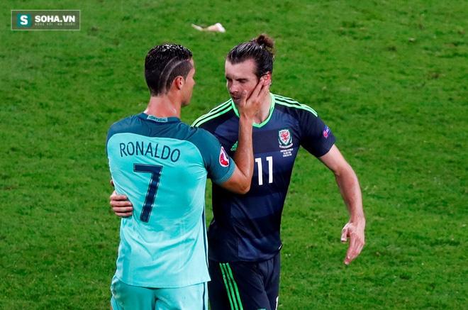 Messi, Ronaldo đang làm gì thế kia? - Ảnh 2.