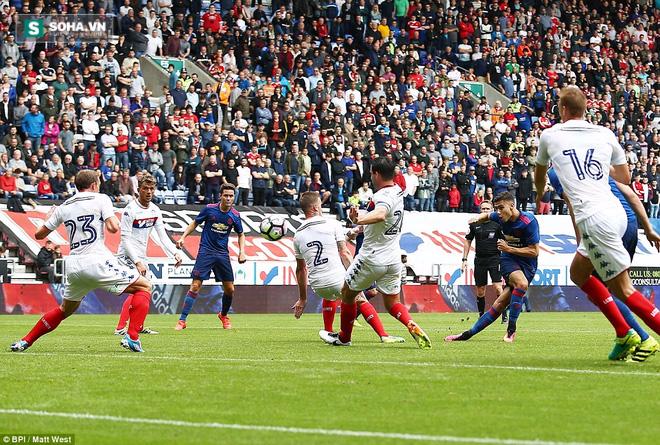Wigan 0-2 Man United: Xem Quỷ đỏ đá vẫn rất tốt cho sức khỏe - Ảnh 3.