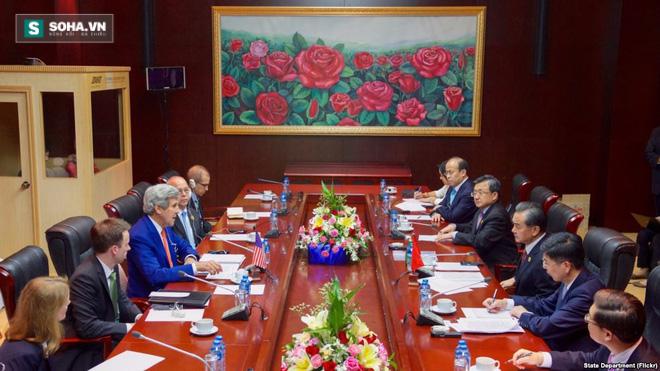 John Kerry: Mỹ ủng hộ TQ-Philippines nối lại đàm phán - Ảnh 1.